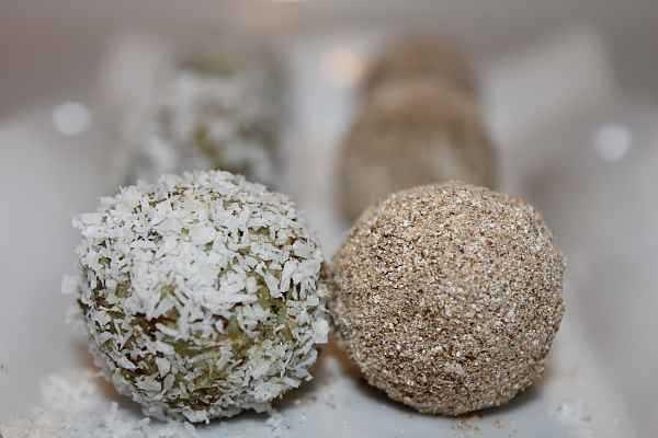 Кокосови бадемки със стевия